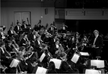 The New Haven Symphony Orchestra in a performance conducted by William Boughton. Image courtesy of NHSO.